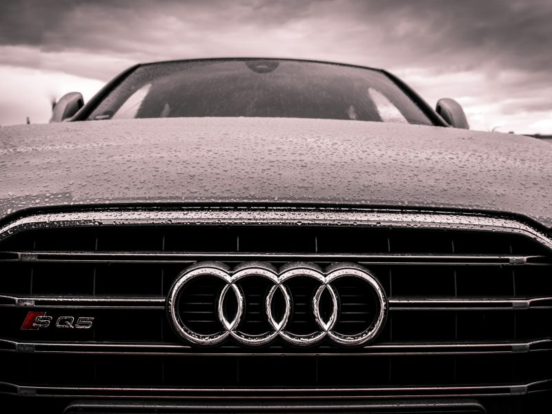 audi-black-and-chrome-grille-168938