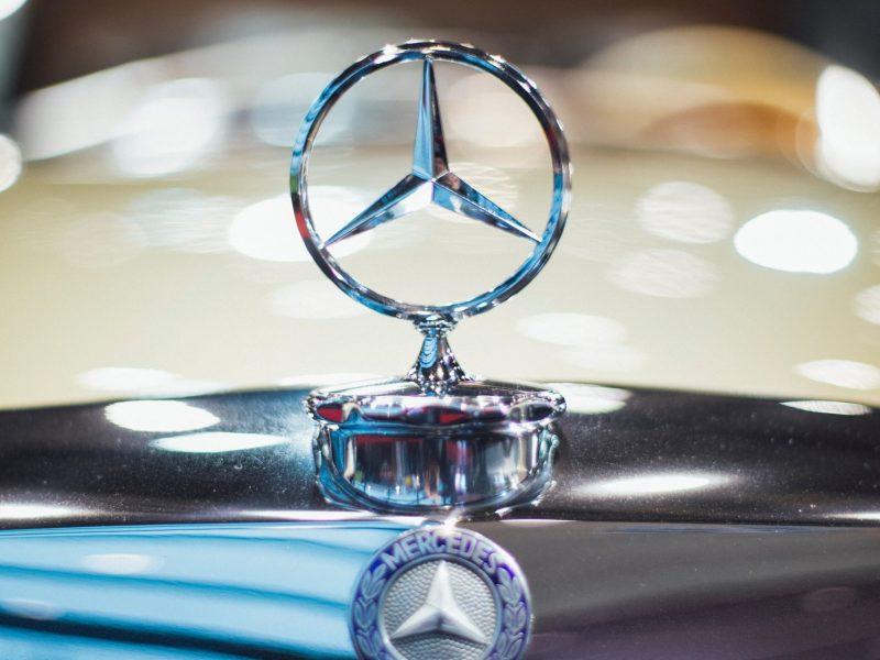 car-vehicle-logo-macro-1871015